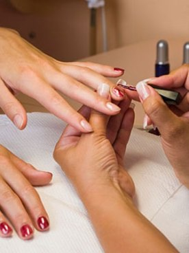 9-Things-Your-Nail-Technician-Wants-to-Tell-You-mdn