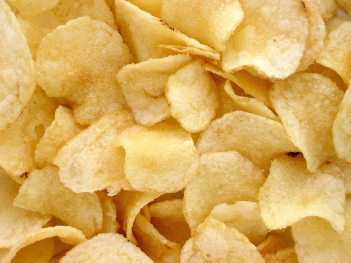 1200px-Potato-Chips